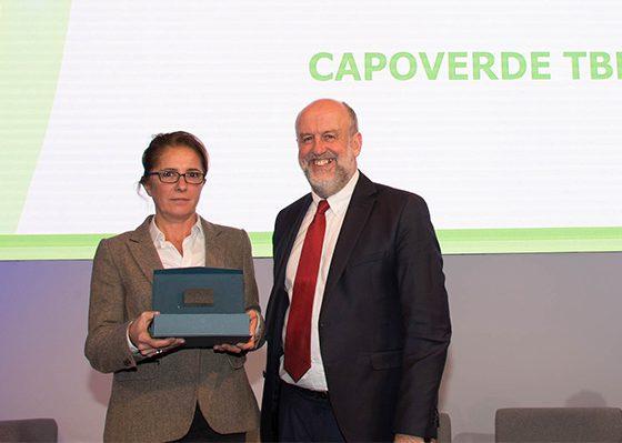 Bruno Léchevin, président de l'Ademe, a remis le prix à Chrystine Risler, fondatrice et dirigeante de Capoverde TBR