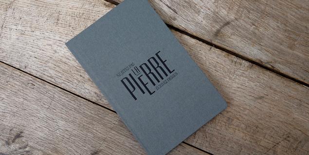 papier-résistance-carnet-poudre-pierre