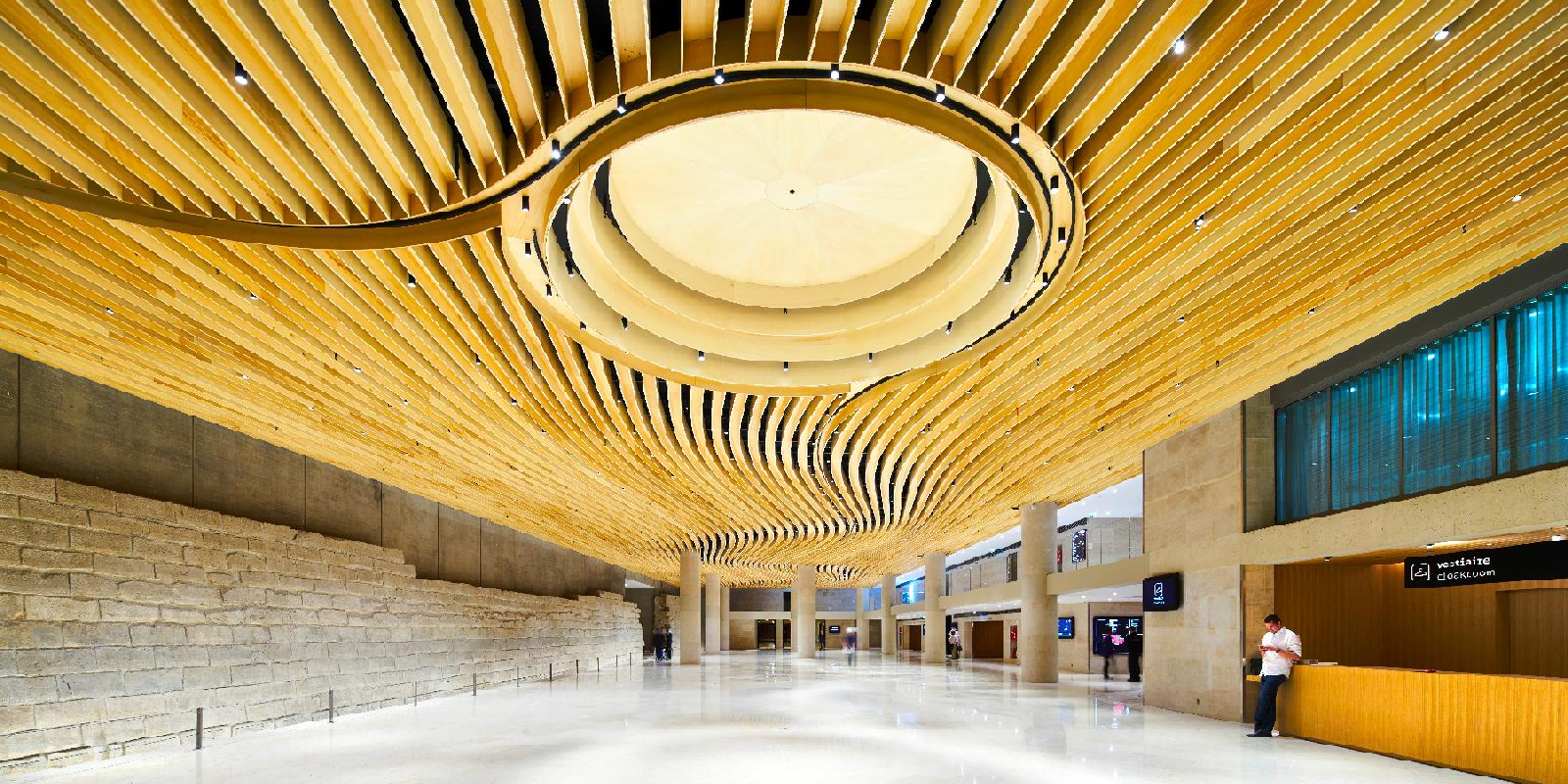 Premium Sourcing s'installe au Carrousel du Louvre.